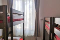 6 beds standard dorm